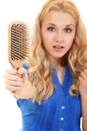 Brosse et cheveux